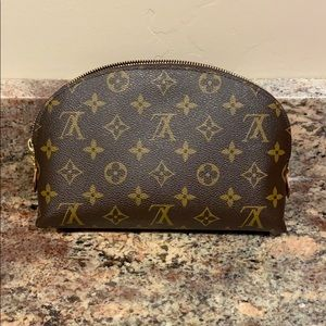 Like New Louis Vuitton Cosmetic Pouch GM